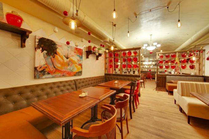 На Арбате открылся ресторан одесской сети «Компот». Изображение № 1.
