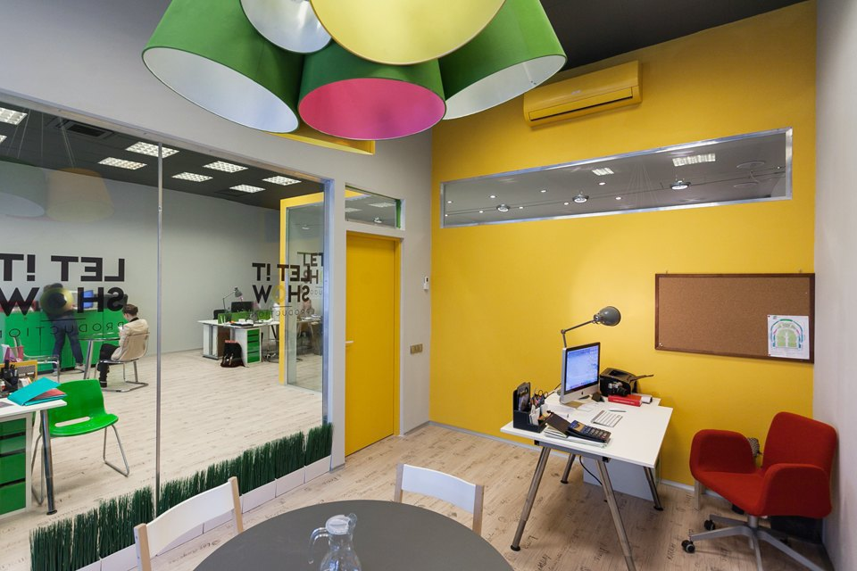 Офис Let It Show Production в ДК Ленсовета. Изображение № 10.