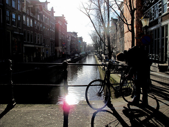 пешая прогулка по Амстердаму прекрасна. Изображение № 12.
