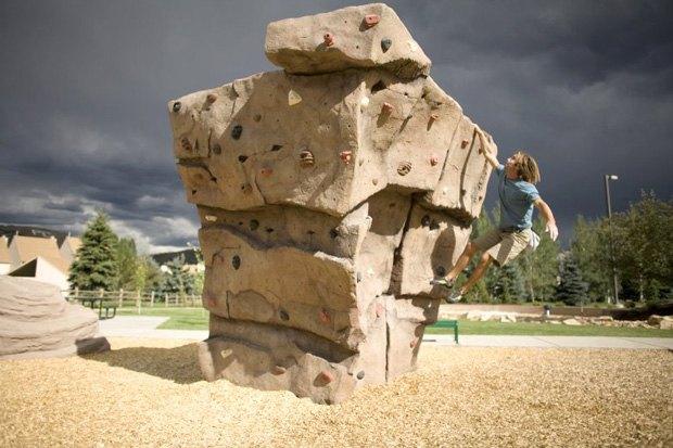 В парке «Царицыно» открылся боулдер-парк. Изображение № 1.