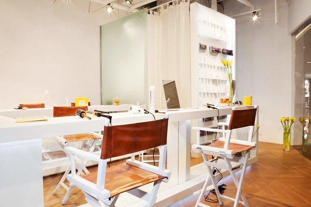 В «Афимолле» открылось кафе с экспресс-укладками. Изображение № 3.