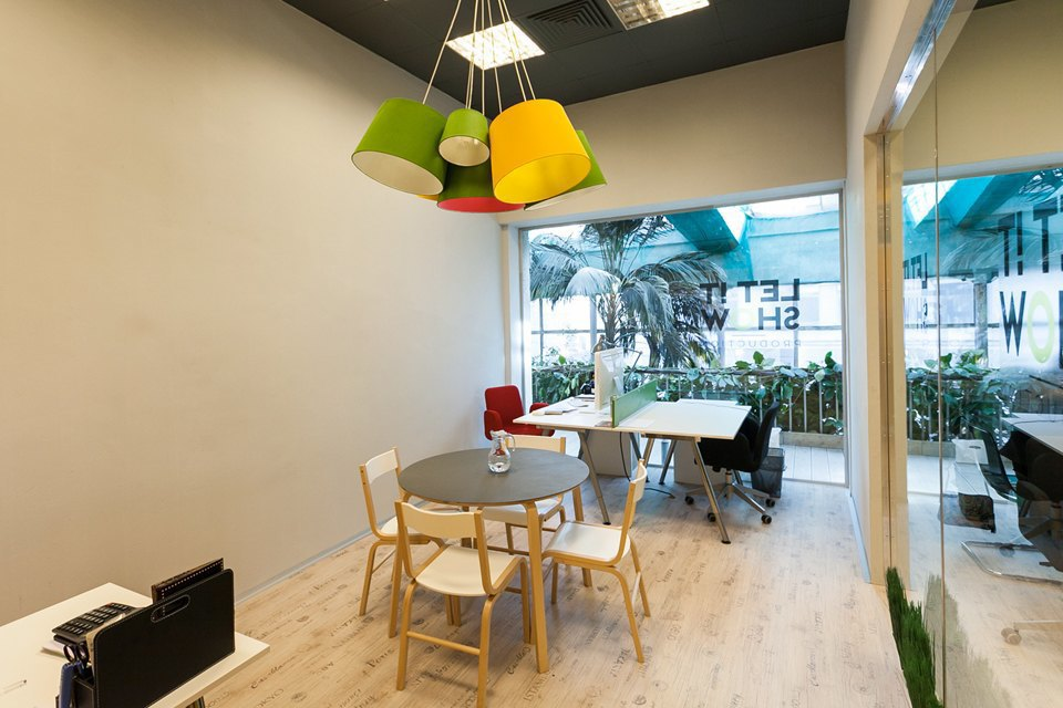 Офис Let It Show Production в ДК Ленсовета. Изображение № 8.