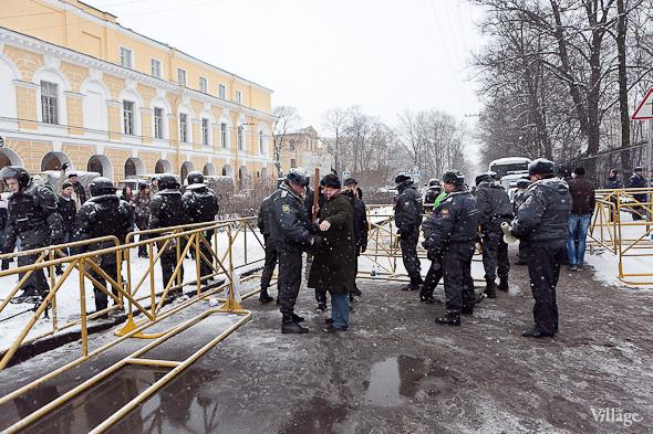 Два санкционированных митинга в Петербурге собрали 2 500 человек. Изображение № 23.