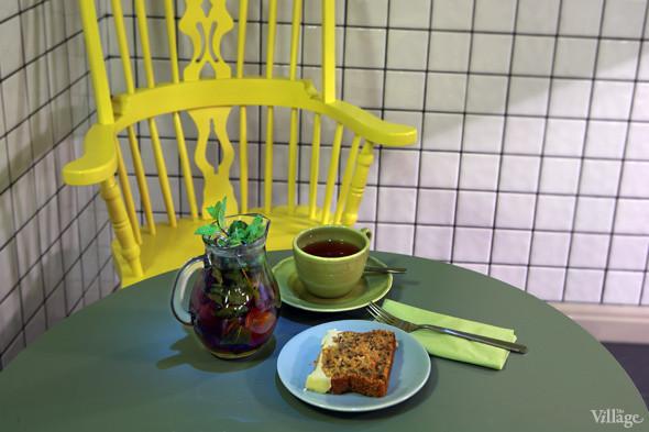 Морковный кекс с легким цитрусовым кремом — 110 рублей, марокканский мятный чай — 160 рублей. Изображение № 34.