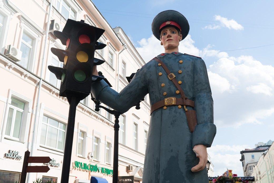 «Больше всего понравился ослик»: Москвичи — остранных объектах нагородских улицах. Изображение № 14.