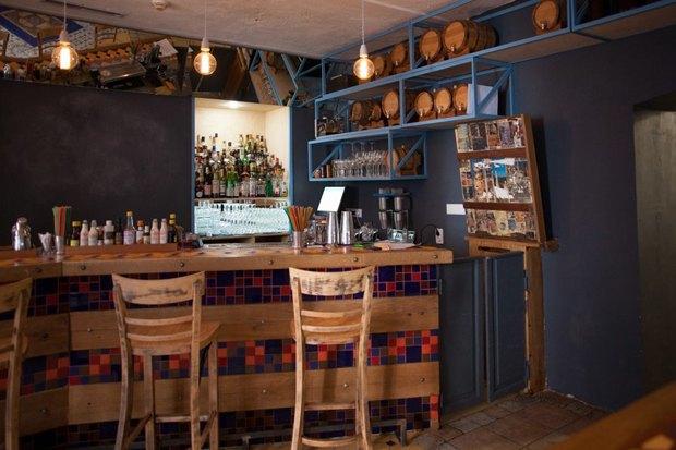 Кафе Blum и «Юность», ресторан AQ Kitchen, киоск Пян-сё ивозобновивший работу Door19 . Изображение № 2.