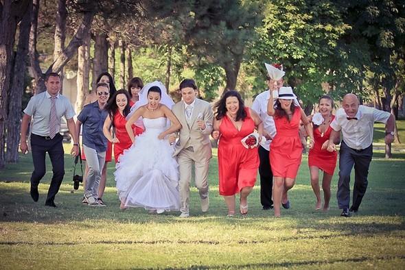 40 Невероятных идей свадебных фотографий 11. Чтение писем друг друга 84