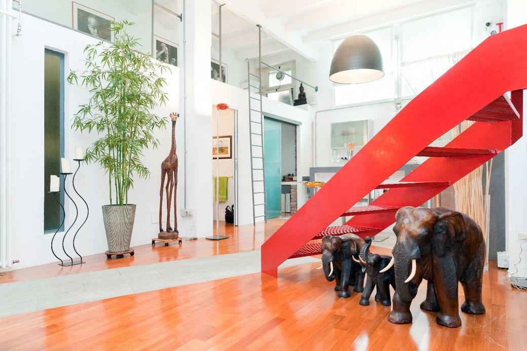 Двухуровневая квартира фотомодели в Милане. Изображение № 6.