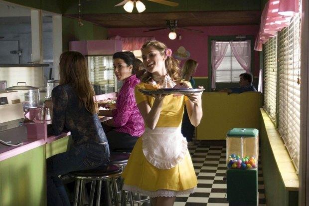 «Официантка»: Как уйти отмужа иоткрыть дайнер мечты сребёнком наруках. Изображение № 6.