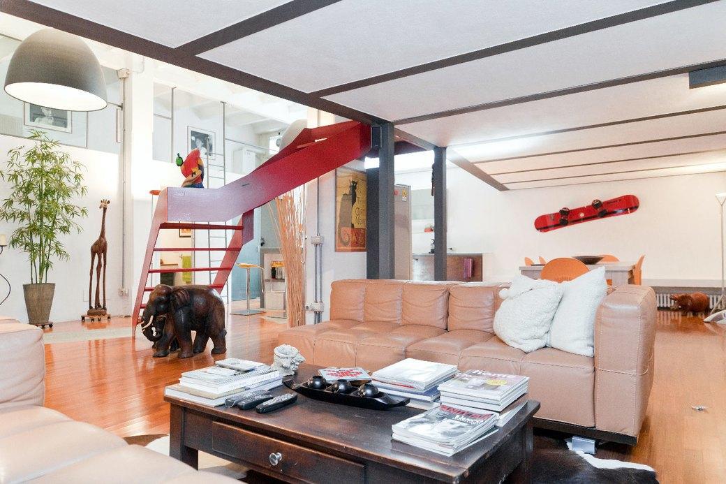 Двухуровневая квартира фотомодели в Милане. Изображение № 1.