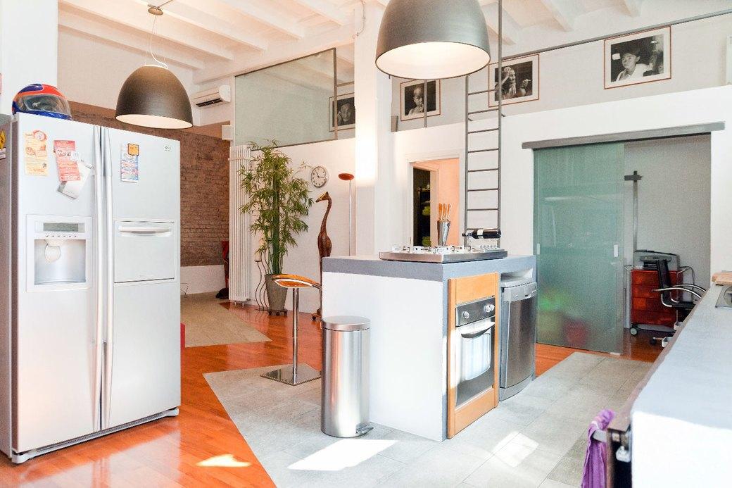 Двухуровневая квартира фотомодели в Милане. Изображение № 10.