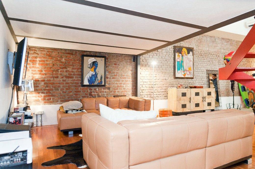 Двухуровневая квартира фотомодели в Милане. Изображение № 2.