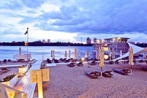 Место под солнцем: 5 пляжей при ресторанах. Изображение № 10.