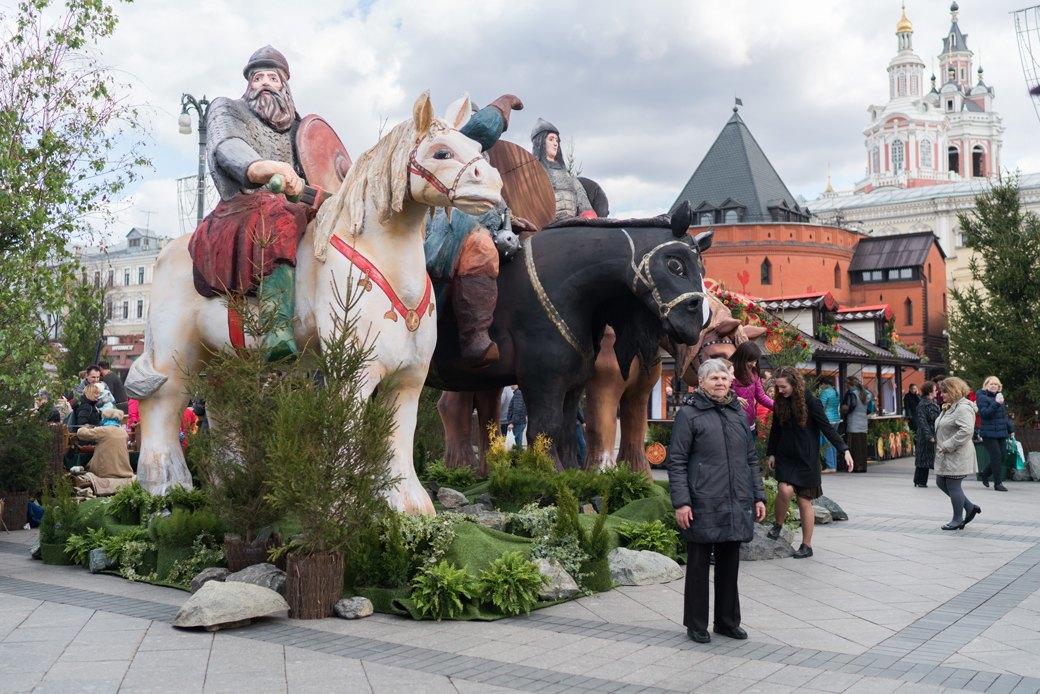 «Больше всего понравился ослик»: Москвичи — остранных объектах нагородских улицах. Изображение № 4.