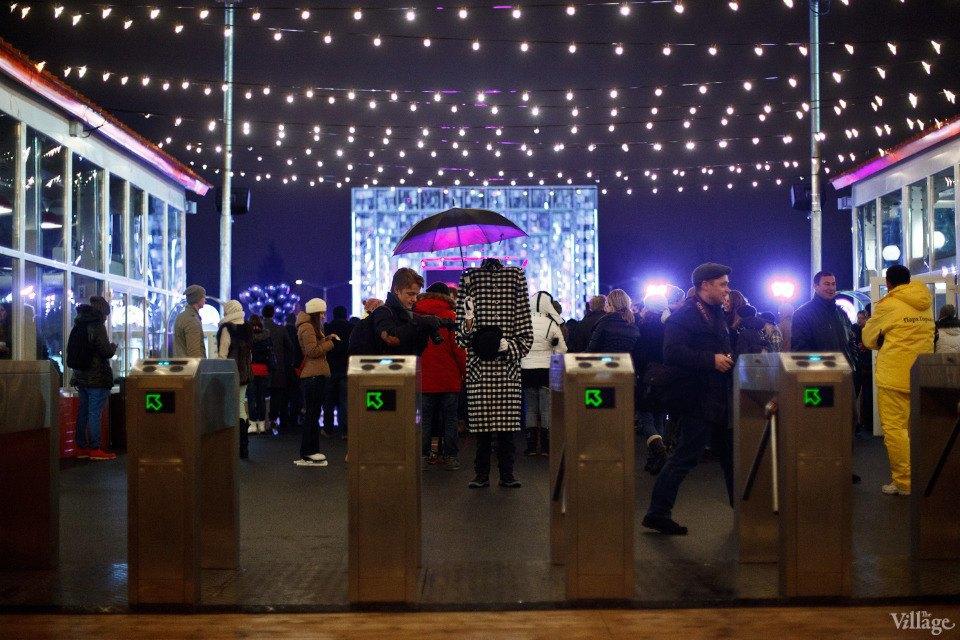 Люди в городе: Первые посетители катка в парке Горького. Изображение № 9.