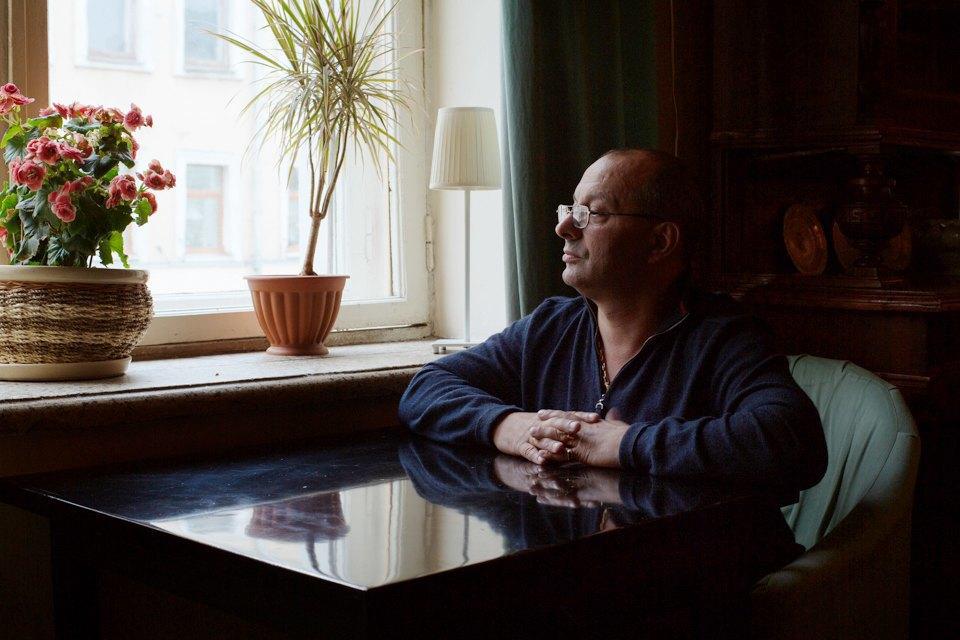 Охранник кафе «Маяк» одраках, политике иповадках московской интеллигенции. Изображение № 1.