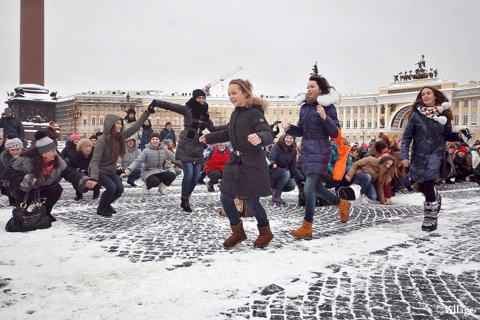 Фоторепортаж: Gangnam Style и зарядка на Дворцовой площади. Изображение № 25.