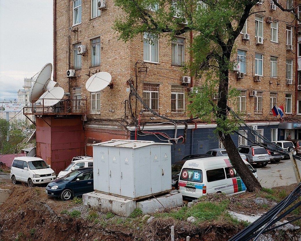 Фотограф Максим Шер — отом, изчего состоит постсоветский город. Изображение № 11.
