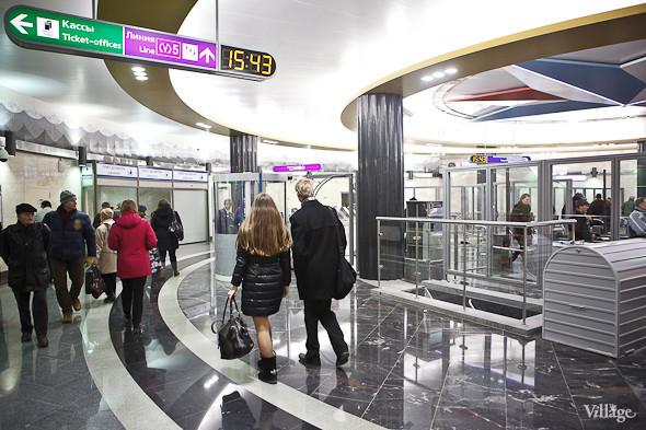 На новой станции метро «Адмиралтейская» уже произошло несколько аварийных остановок эскалатора. Изображение № 4.