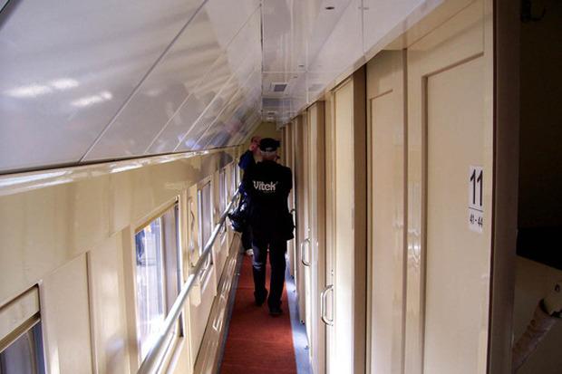 Второй этаж двухэтажного поезда РЖД. Изображение № 2.