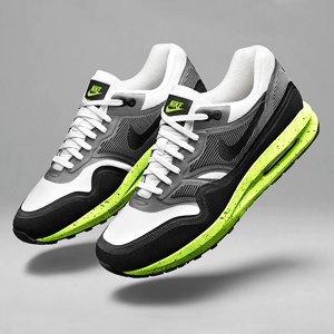 Кроссовки Nike, платье Trends Brands, футболка Code Red. Изображение № 3.