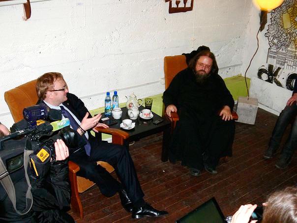Милонов и Кураев. Изображение № 13.