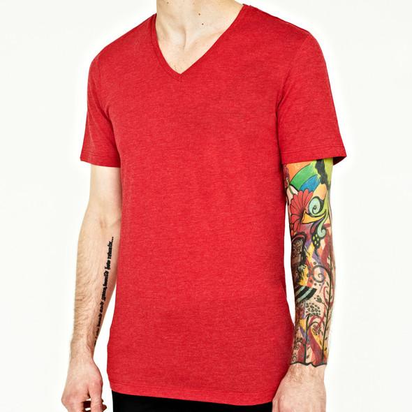 Вещи недели: 10 ярких футболок. Изображение № 4.