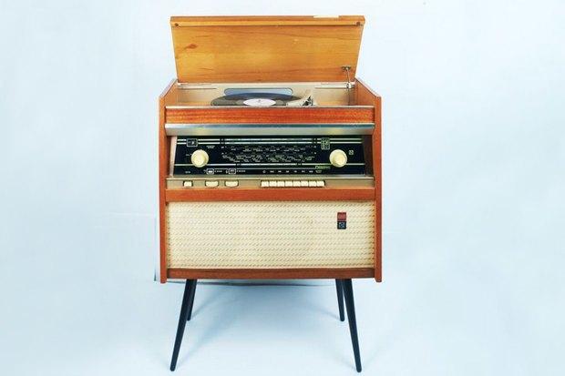 Радиола первого класса «Ригонда»; выпуск с 1965 года Рижский радиозавод имени А.С. Попова, Дизайнер Адольф Ирбите. Изображение № 6.