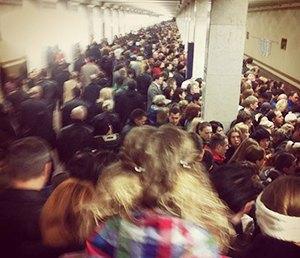 Фоторепортаж: Час пик на станции «Выхино». Изображение № 1.