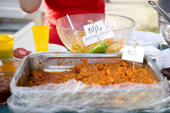 Еда на Пикнике «Афиши»: сэндвичи Foodster, пироги «Это моя булочка» и бургеры от «Даров природы». Изображение № 24.