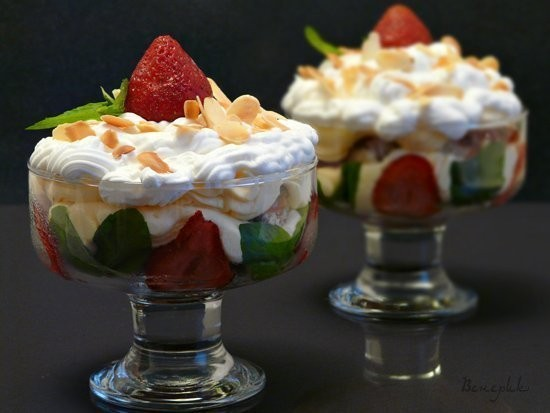 Изображение 1. Трайфл (trifle).. Изображение № 1.