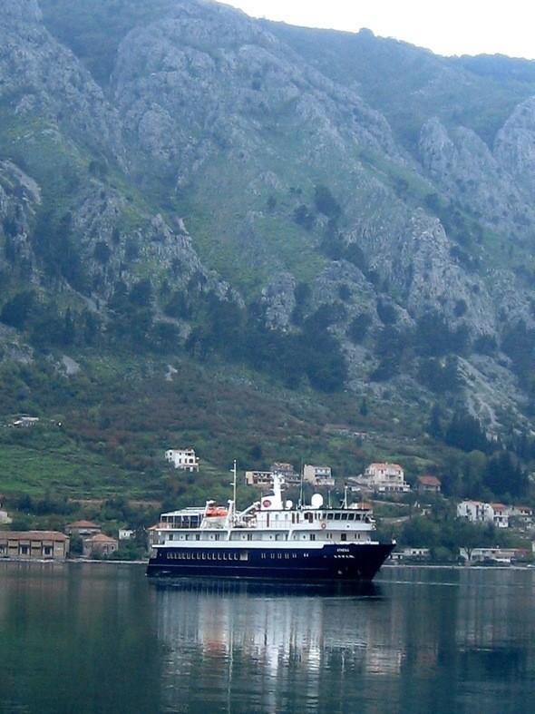 Изображение 6. Экстремальный туризм в Черногории.. Изображение № 2.