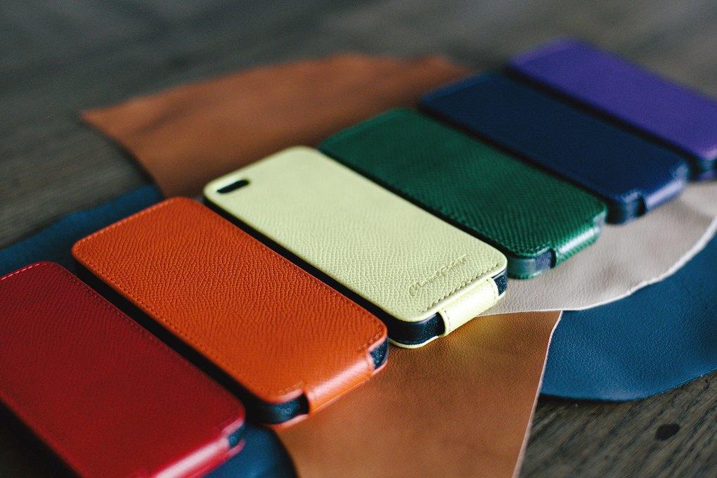 «Марсель Роберт»: Как семейная пара поставляет чехлы для айфона в re:Store и скайшопы. Изображение № 4.