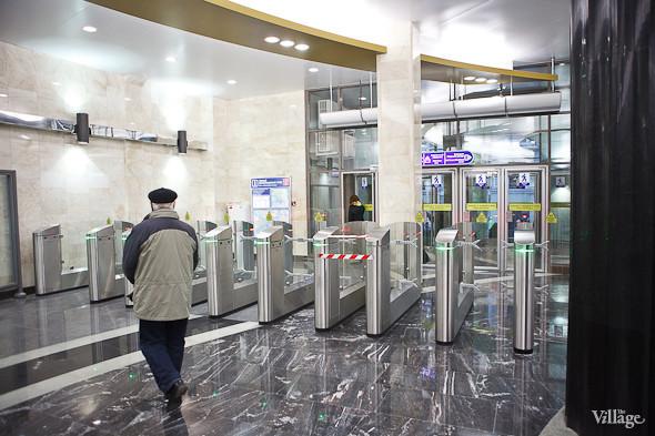 На новой станции метро «Адмиралтейская» уже произошло несколько аварийных остановок эскалатора. Изображение № 31.