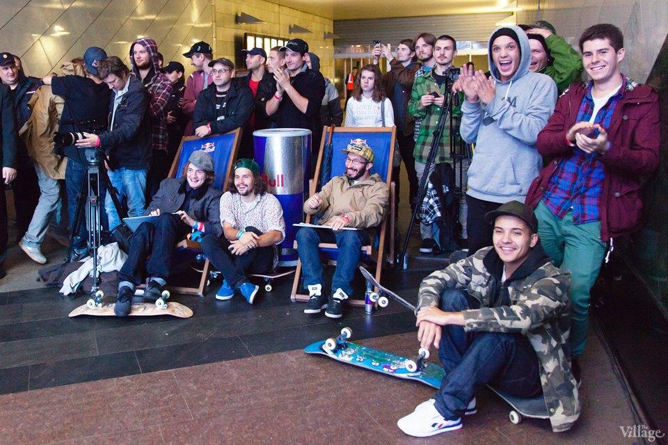 Фото ночи: Скейтерский чемпионат в метро. Изображение № 20.
