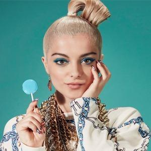 «Мне хотелось быть на виду»: Bebe Rexha о работе с Эминемом и цене хитов — Интервью на Wonderzine