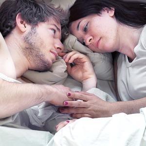 «Intimate Strangers»:  Как имитируют близкие отношения в кадре — Фотопроект на Wonderzine