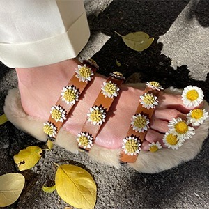 На кого подписаться: Обувь из цветов, фруктов и других неочевидных вещей — Искусство на Wonderzine