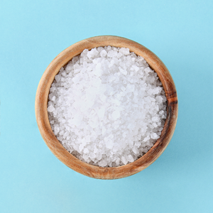 «Белый яд» или нет: Нужно ли есть меньше соли