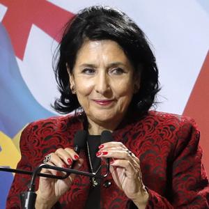 Казус Зурабишвили: Почему президенту недостаточно быть женщиной — Мнение на Wonderzine