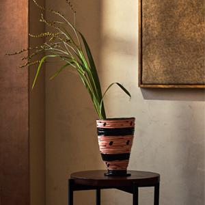 Ваза из коллаборации Zara Home с художницей Джессикой Ханс — Вишлист на Wonderzine