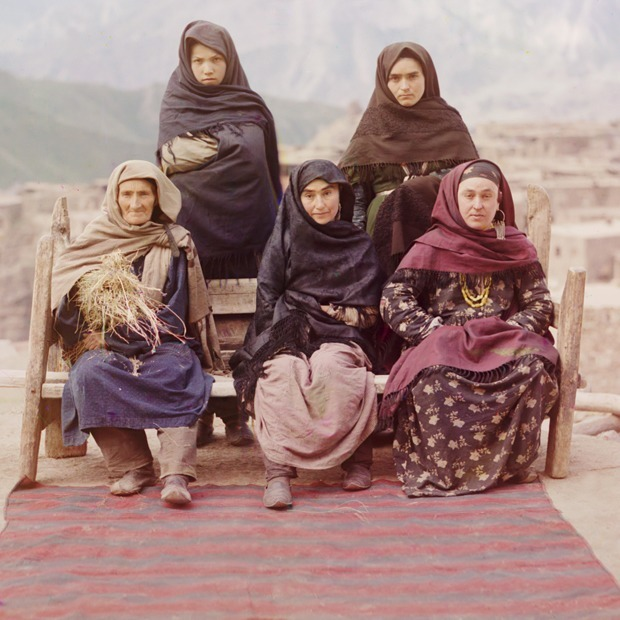 Институт девственниц: Как живут женщины на постсоветском пространстве