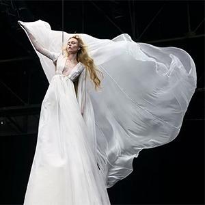 Valentino представили коллекцию платьев невероятных размеров  (и красоты!) — Guilty Pleasure на Wonderzine