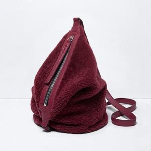 Плюшевые рюкзаки и сумки  Kara — Новая марка на Wonderzine