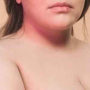 Диляра Ларина о полноте, реакции мужчин и власти женской груди  — Жизнь на Wonderzine