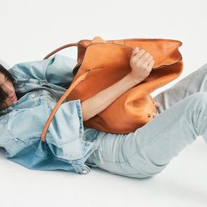 Разумная экономия: 5 путей обновить гардероб без ущерба для бюджета — Стиль на Wonderzine