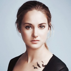 Новое имя: Актриса  Шейлин Вудли