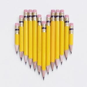 На кого подписаться: Картины из карандашей и блокнотов Present & Correct — Жизнь на Wonderzine