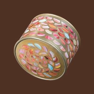 Куратор JSKT Майя Стравинская об инъекциях и любимой косметике — Косметичка на Wonderzine