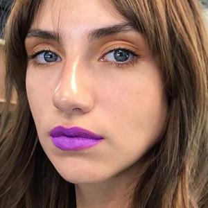 Стекло и неон: 5 модных макияжей на Неделе моды в Лондоне